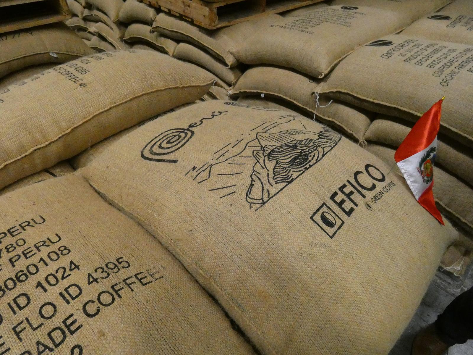 """Cenfrocafé realiza primer envío bajo la marca """"Cafés del Perú"""""""