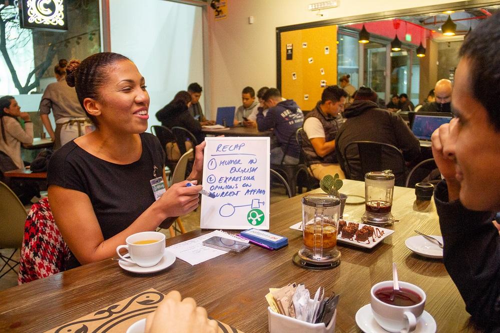 Políglota: la start-up que enseña idiomas en cafeterías