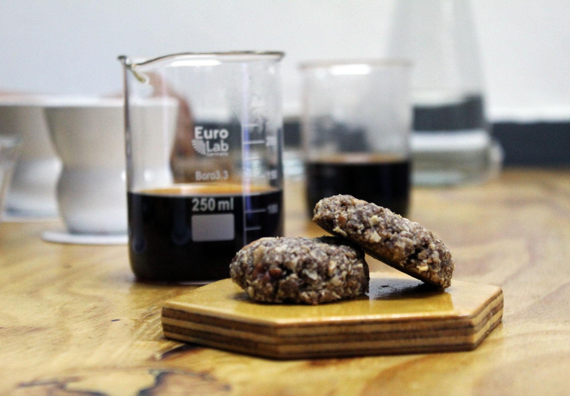Siete opciones de snacks saludables que puedes consumir con tu café