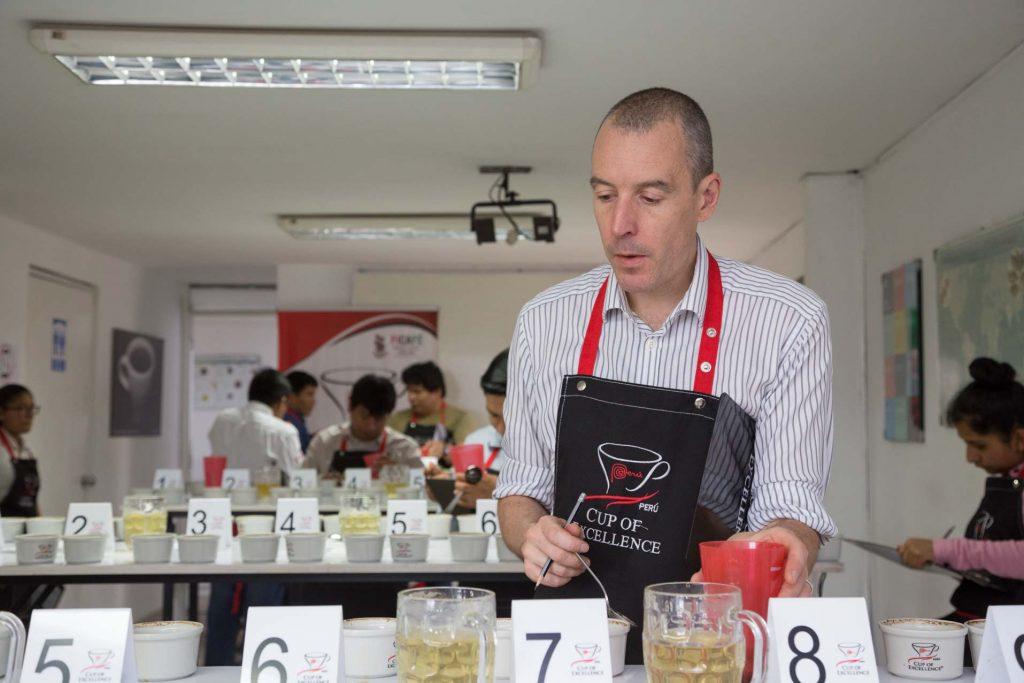 """John Thompson: """"Hay calidad y diversidad de sabores en cafés peruanos"""""""