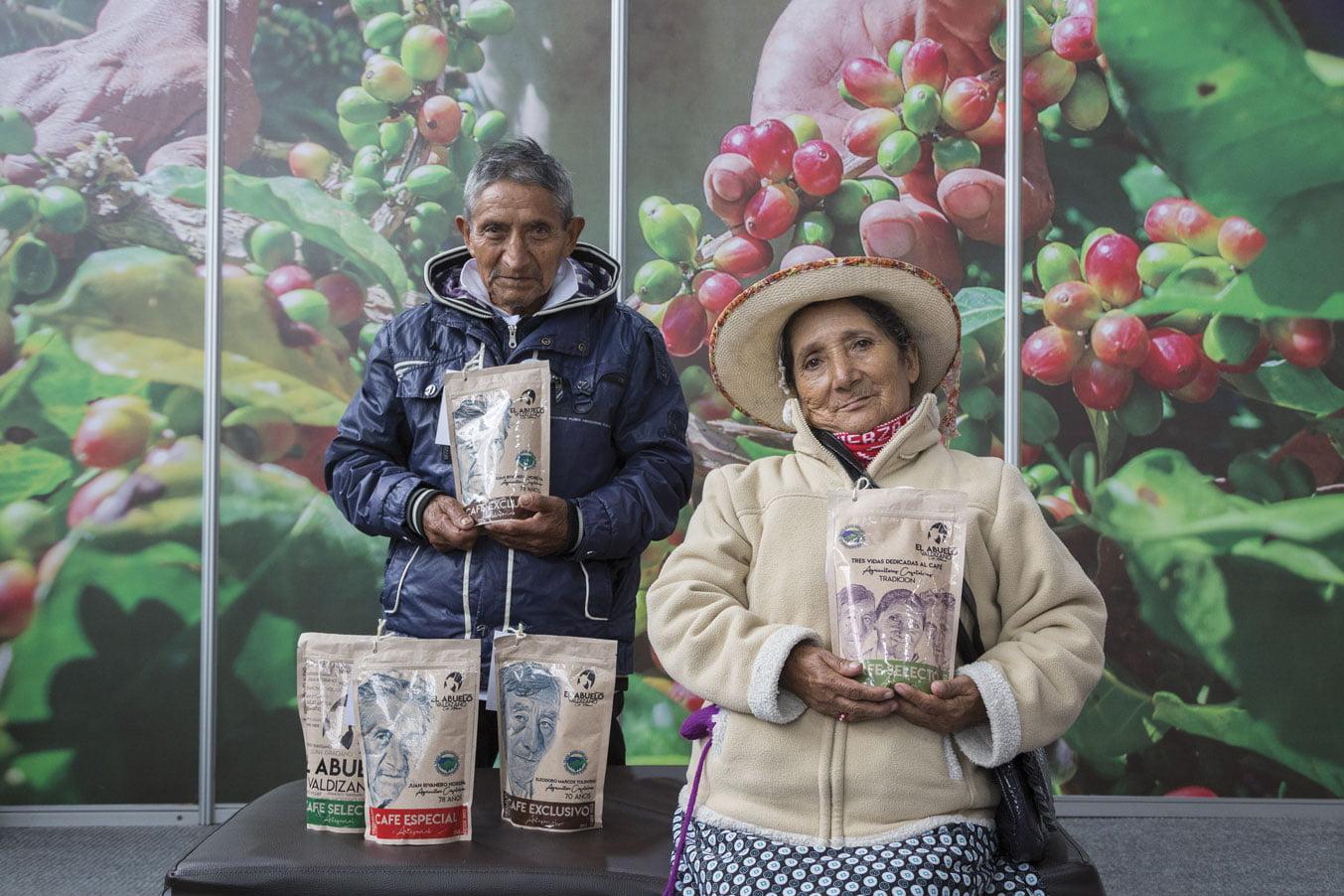 Los rostros de El Abuelo Valdizano, café de Huánuco