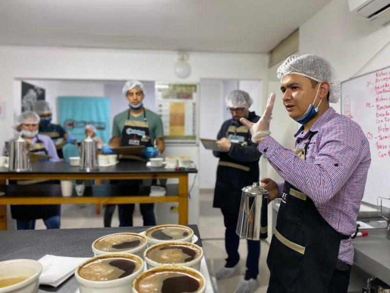 Escuela de catadores de cafés especiales: entrenamiento y pasión por el café