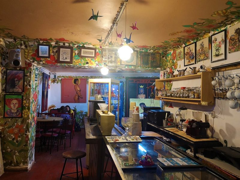 Laggart Café: una galería de arte con café cusqueño
