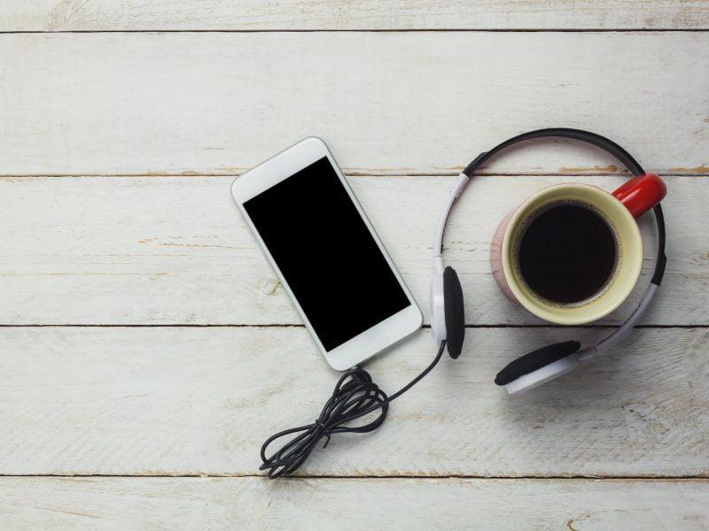 ¿A qué suena el café? Tres podcast cafeteros para tu Spotify