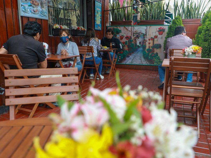 Cafeterías con terrazas: el consumo social de café se reactiva en pandemia